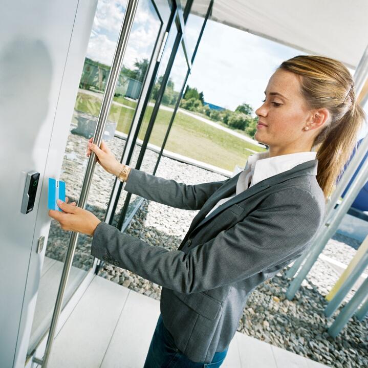 Control de accesos de proximidad RFID